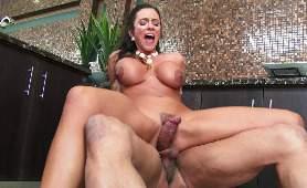 Cycata aktorka porno - Ariella Ferrera, Kolumbijki